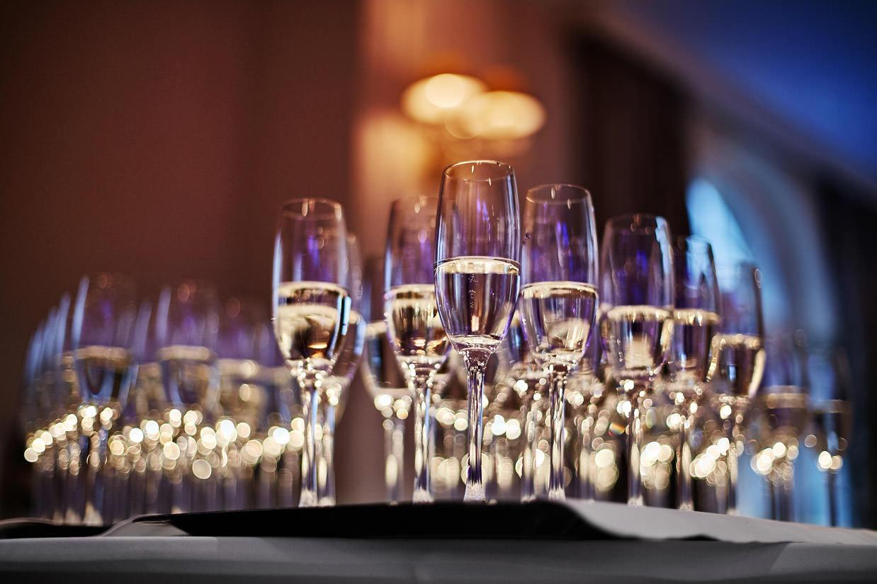 kieliszki z szampanem na weselu w Lublinie