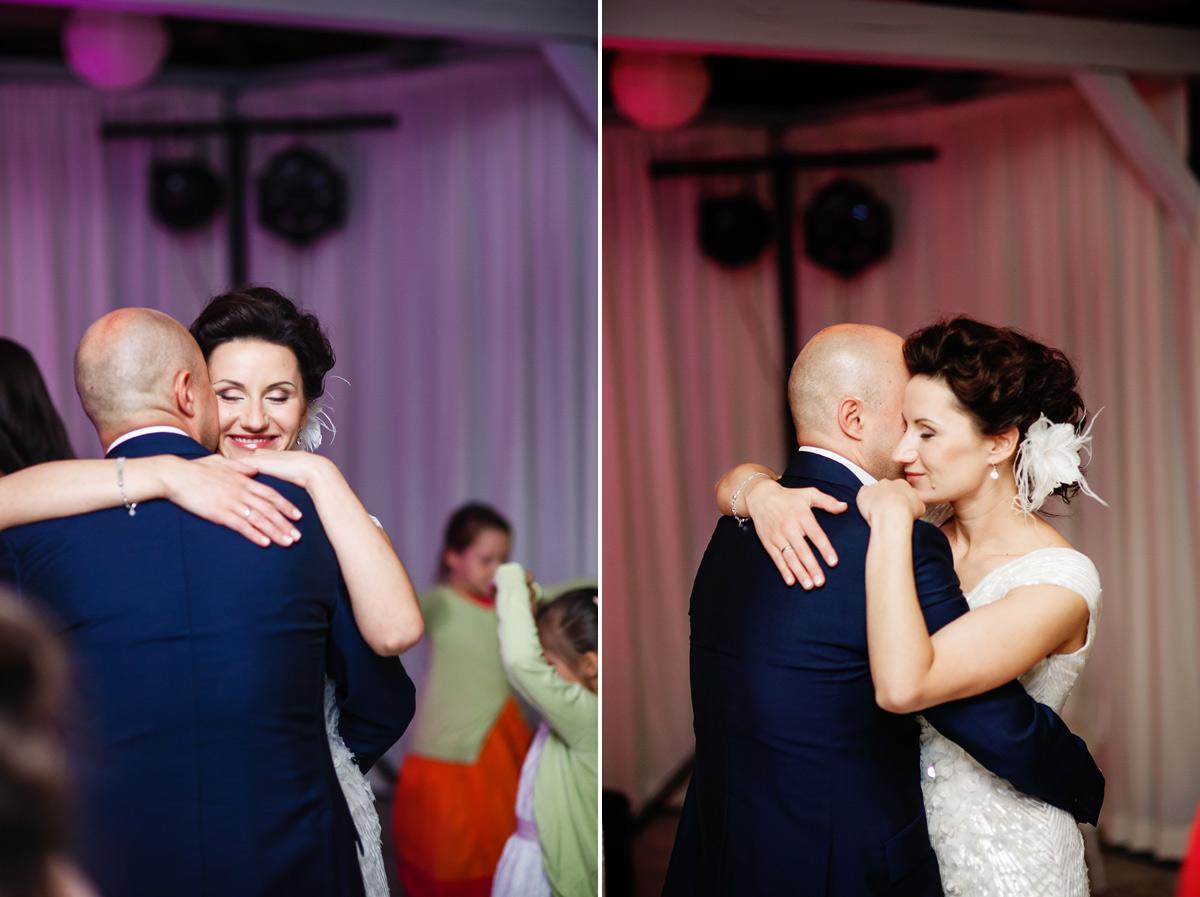 romantyczny taniec pary mlodej